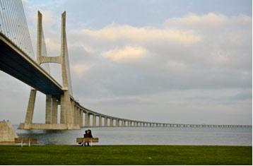 Фоторабота «Лиссабон, мост Васко да Гама»